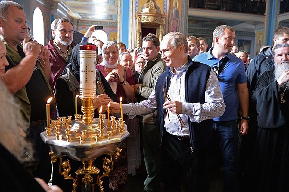 Владимир Путин обычно приезжает на Валаам в одиночку, но в этом году он сделал исключение. Фото Алексей Дружинин/ТАСС