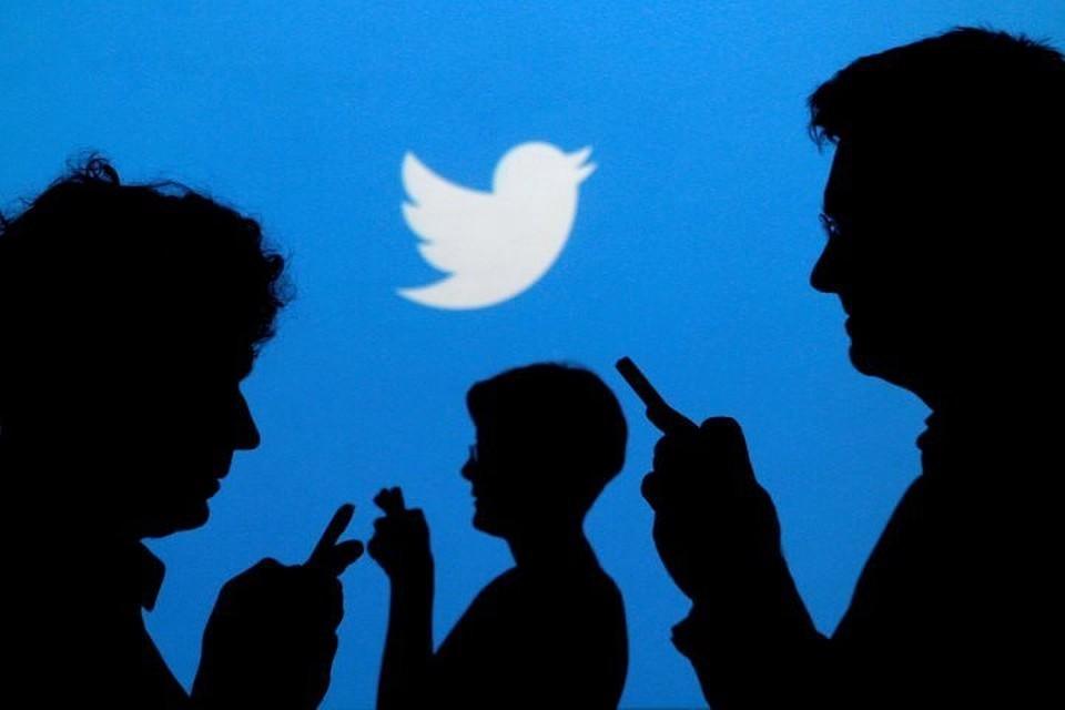 По требованию Роскомнадзора Twitter удалил пост, оскорбляющий народ России