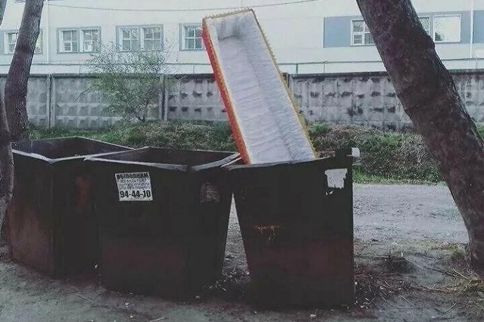 Жительница Петербурга выбросила труп дочери на улицу, потому что не нашла деньги на похороны