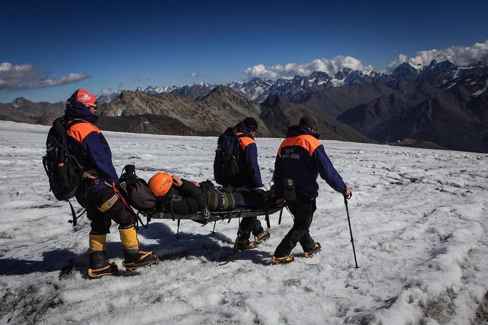 Спасатели выдвинулись к месте падения альпинистов Фото: ГУ МЧС по КБР