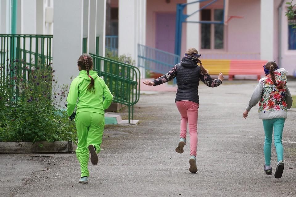 ЧП в Хабаровске вновь привлекло внимание к проблеме безопасности детей в лагерях отдыха.