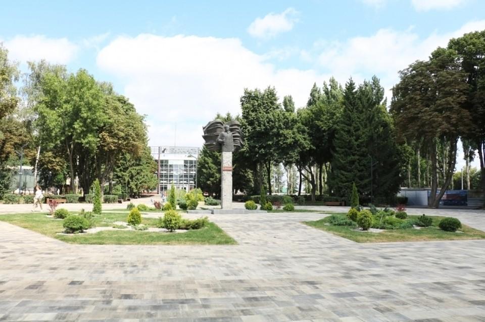 Завершается реконструкция парка Быханов сад