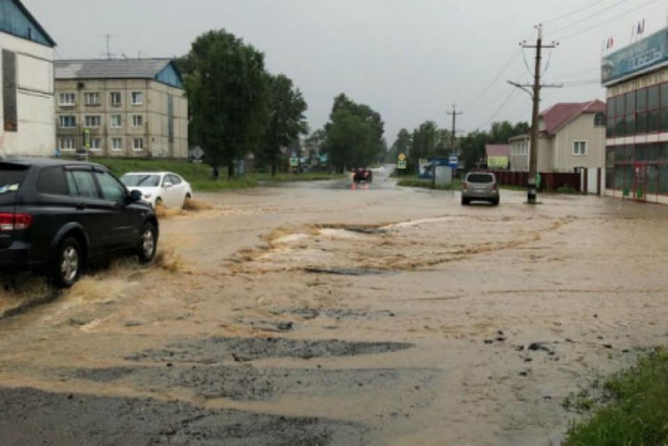 Паводок в Слюдянке принес много проблем и разрушений.