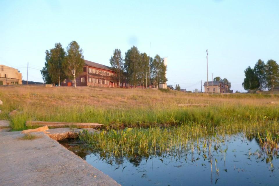 К центральному отоплению подключено два десятка домов, детский сад и гостиница, но важнее то, что пока оно действует, более трех сотен человек зимой получает воду. Фото: vk.com/club7828674