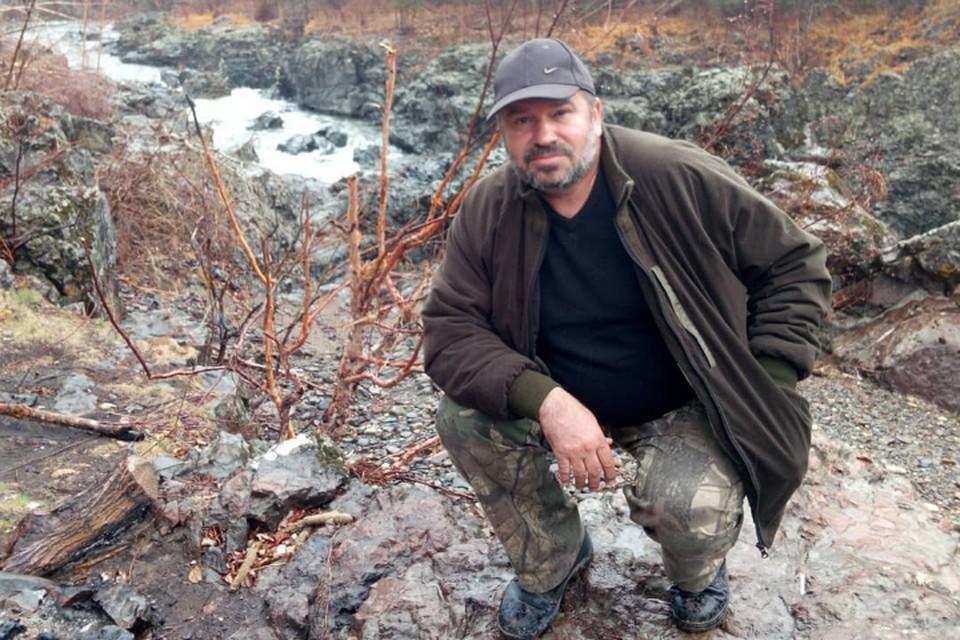 Сергей помогал людям, оказавшимся в ловушке стихии.