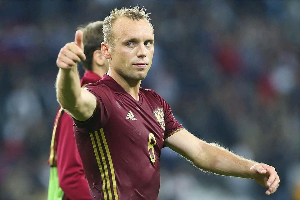 Футболист Денис Глушаков в составе сборной России