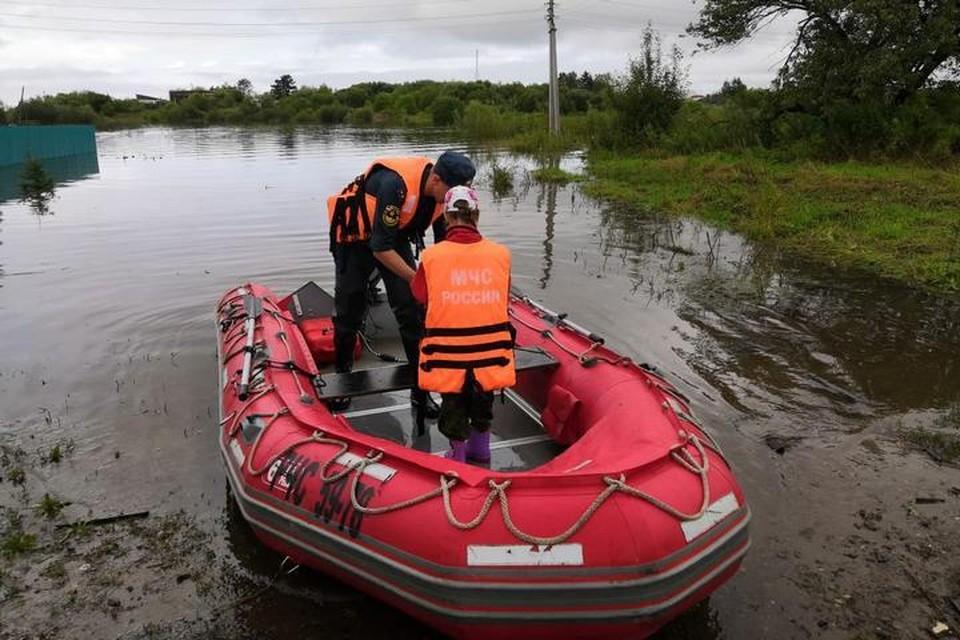 Группировка МЧС в Комсомольске-на-Амуре усилена отрядом военных спасателей из Хабаровска