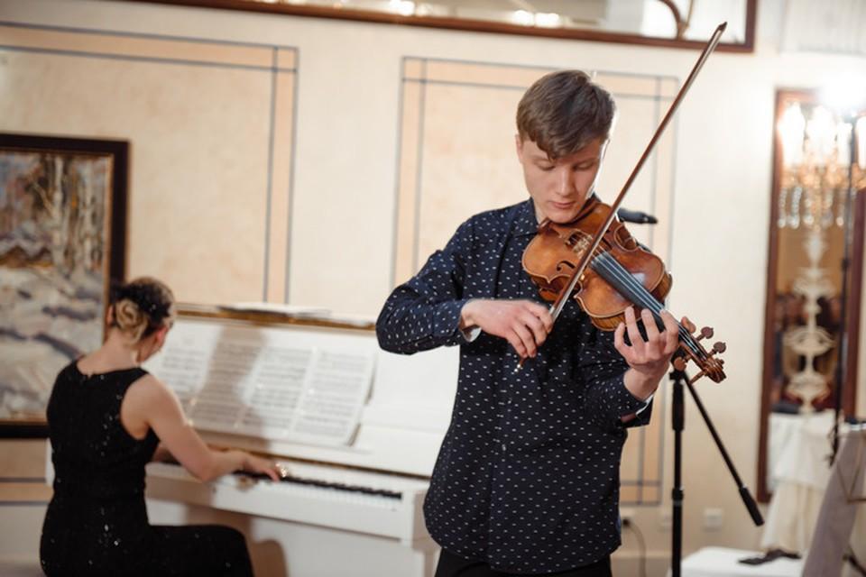 Музыкой Илья занимается с пяти лет. Фото: из личного архива Екатерины Венчиковой