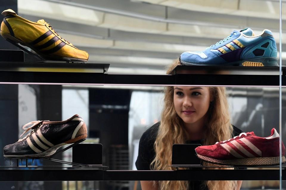 Свыше 200 компаний по производству обуви попросили не вводить новые пошлины на китайские товары