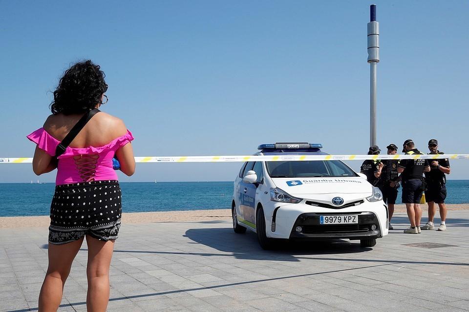Отдыхающих эвакуировали с территории пляжа