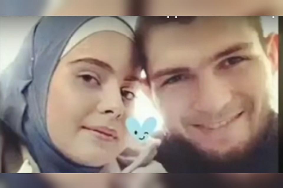 Подтверждённых фотографий жены Хабиба Нурмагомедова в сети нет, но фанаты подозревают, что на этом снимке пара вместе