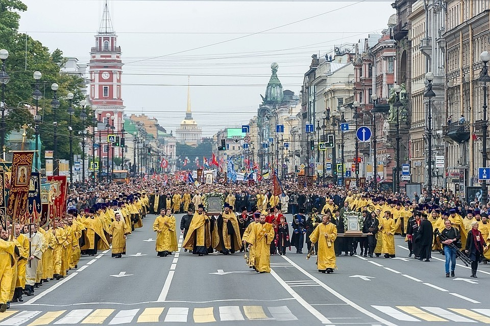 Масштабный праздничный крестный ход перекроет центр Петербурга 12 сентября