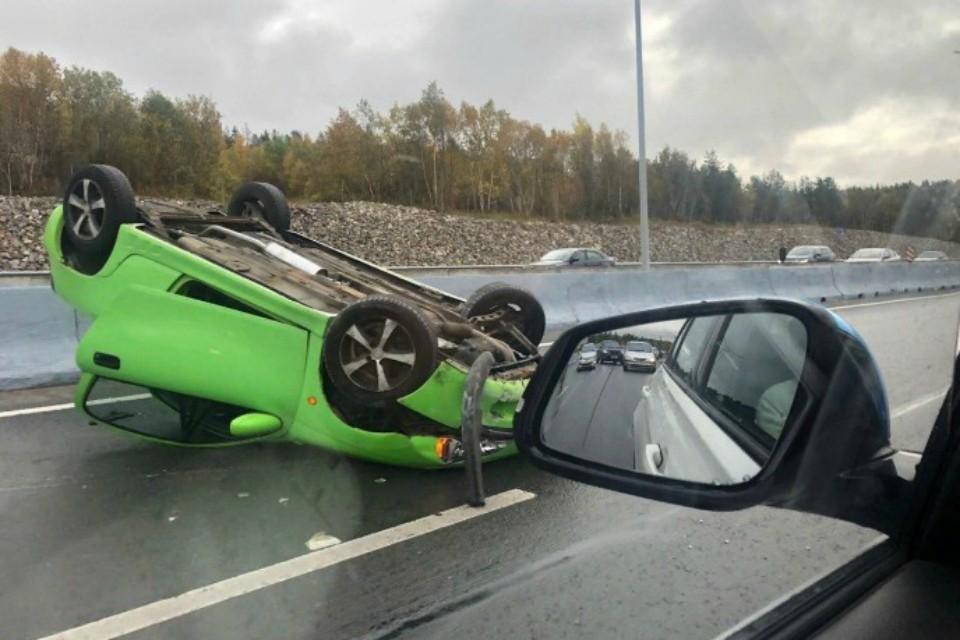 """В аварии никто, кроме """"железа"""", не пострадал. Фото: vk.com."""