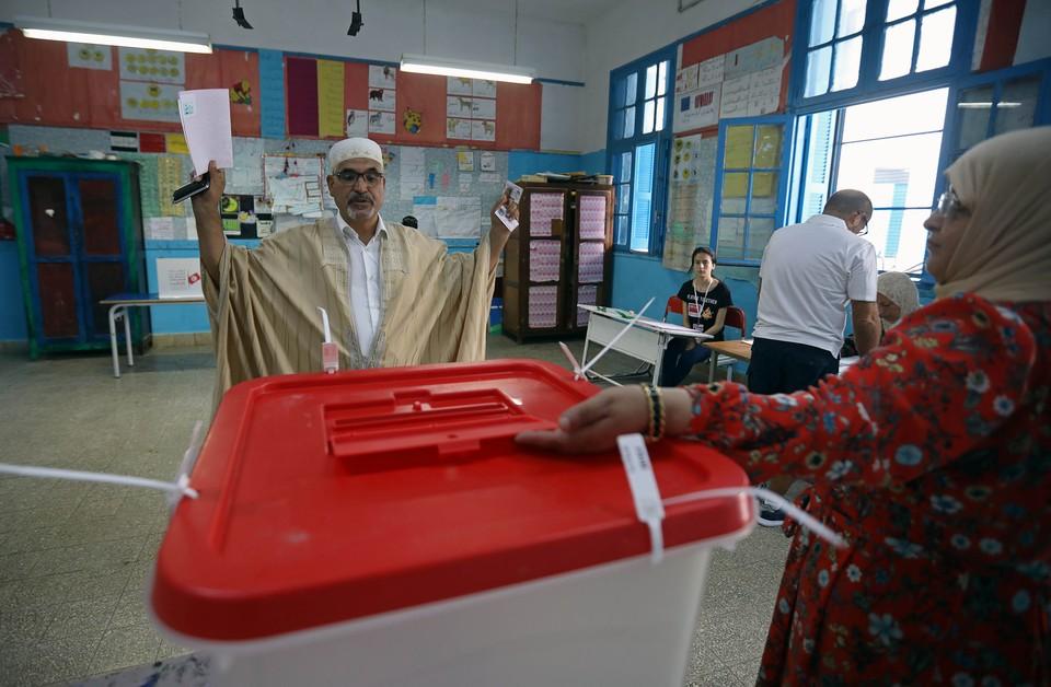 В Тунисе стартовал первый тур президентских выборов