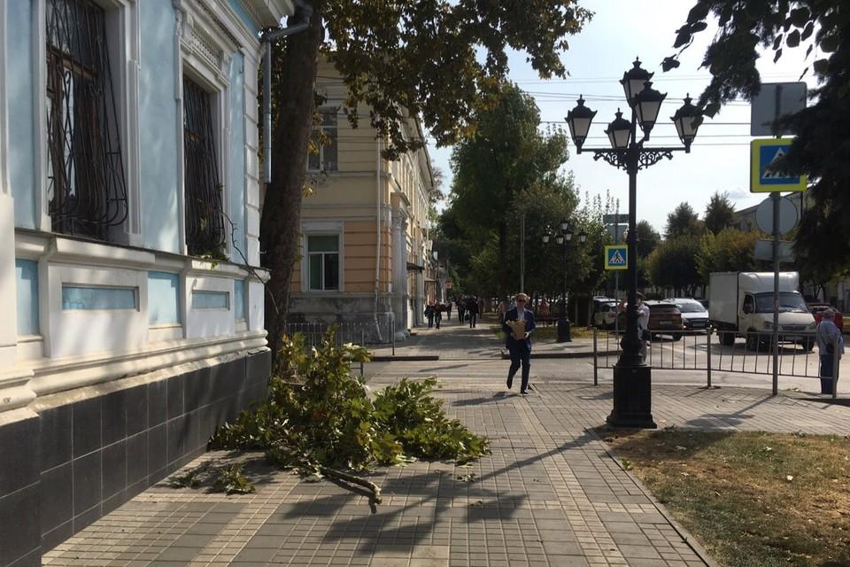 ЧП случилось в центре Симферополя. Фото: ПОДСЛУШАНО СИМФЕРОПОЛЬ/VK