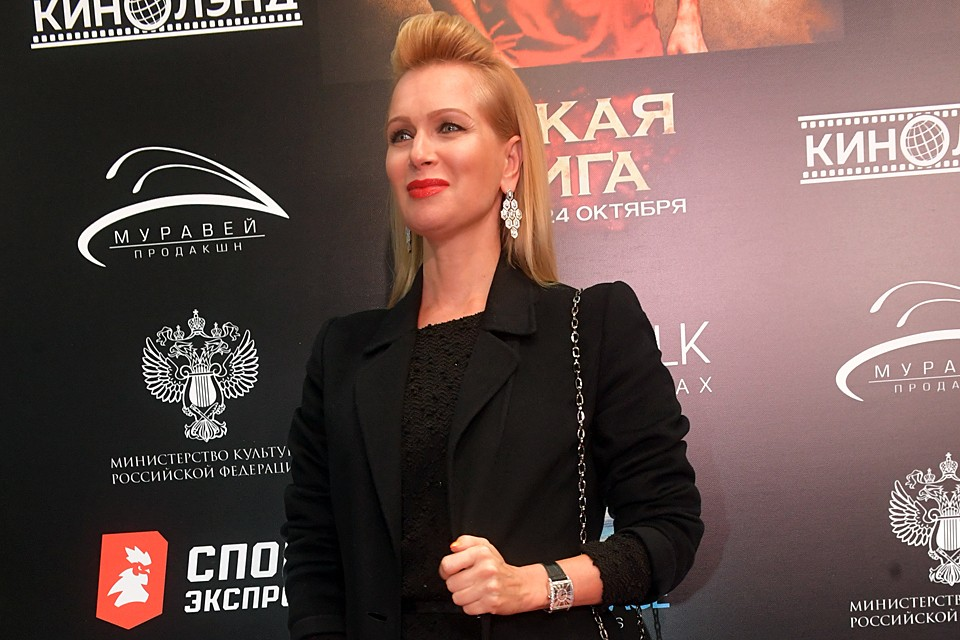 Судзиловская появилась в блеске бриллиантов