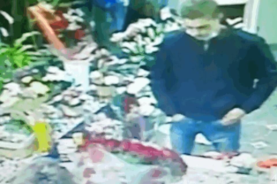 Ради примирения с подругой юноша из Кузбасса украл букет за 10 000 рублей. ФОТО: кадр видео ГУ МВД России по Кемеровской области.