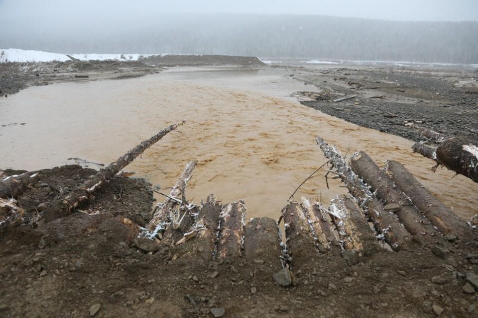 Не одна дамба разрушилась, а пять Фото: Правительство Красноярского края