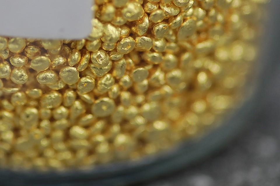 Если в сейфе было 18 килограммов шлихового золота, чистого – 1 800 – 2 700 граммов.
