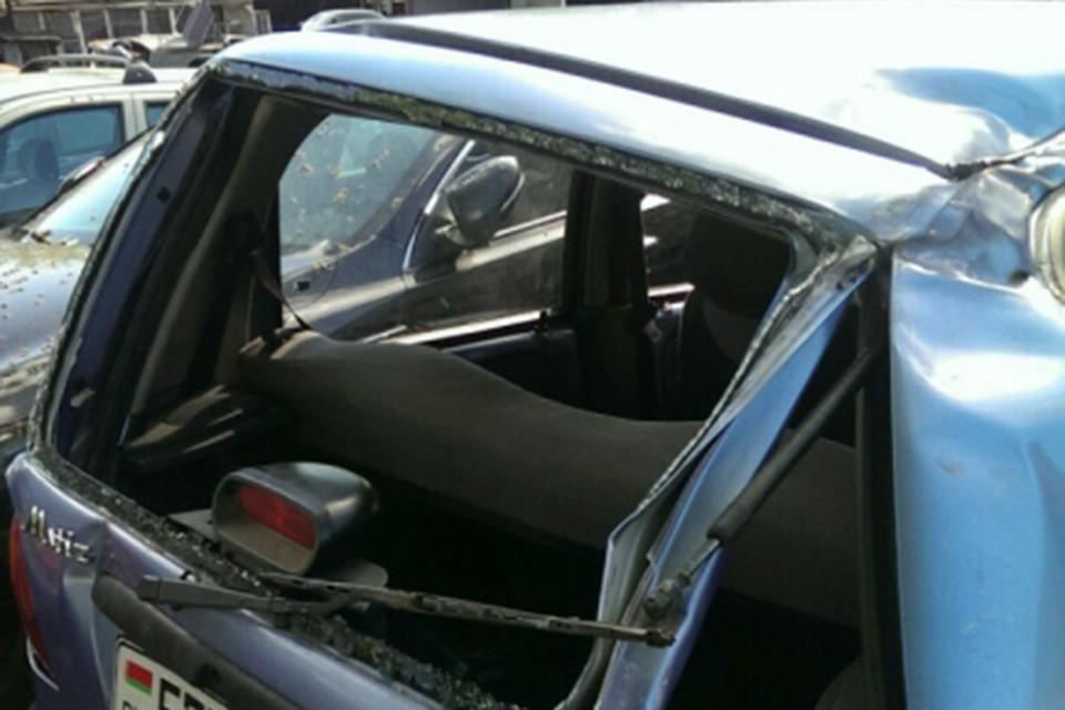 Мужчина угнал авто, которое ремонтировал, и врезался в четыре машины на встречной. Фото: Московский РУВД Минска.