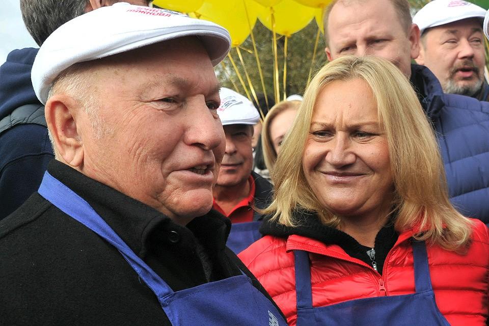 Юрий Лужков с супругой Еленой Батуриной.