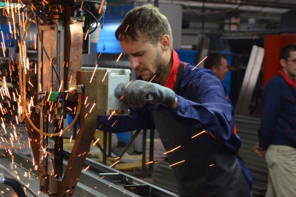 Обработка листового железа - профессия востребованная на рынке труда.