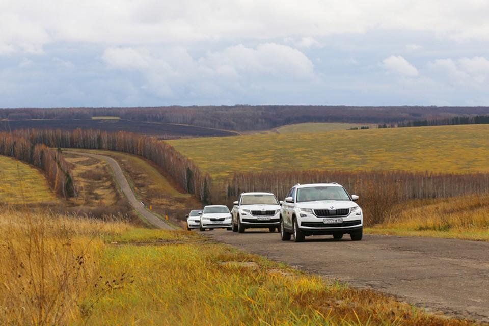 «Уездный тест-драйв»: журналисты и блогеры прокатились по нижегородским усадьбам на ŠKODA KODIAQ и ŠKODA OCTAVIA. Фото: предоставлено организаторами