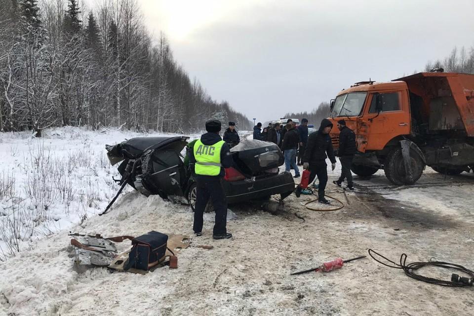 Авария унесла жизни родителей ребенка. Фото: УГИБДД УМВД России по Кировской области