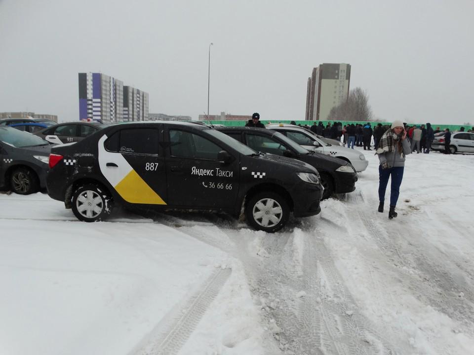 """Сыктывкарские таксисты с завтрашнего дня не будут принимать заказы от """"Яндекс. Такси"""""""