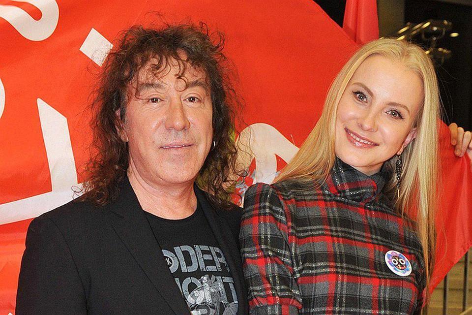 Полтора года назад музыкант объявил о разрыве с третьей женой Екатериной Трофимовой