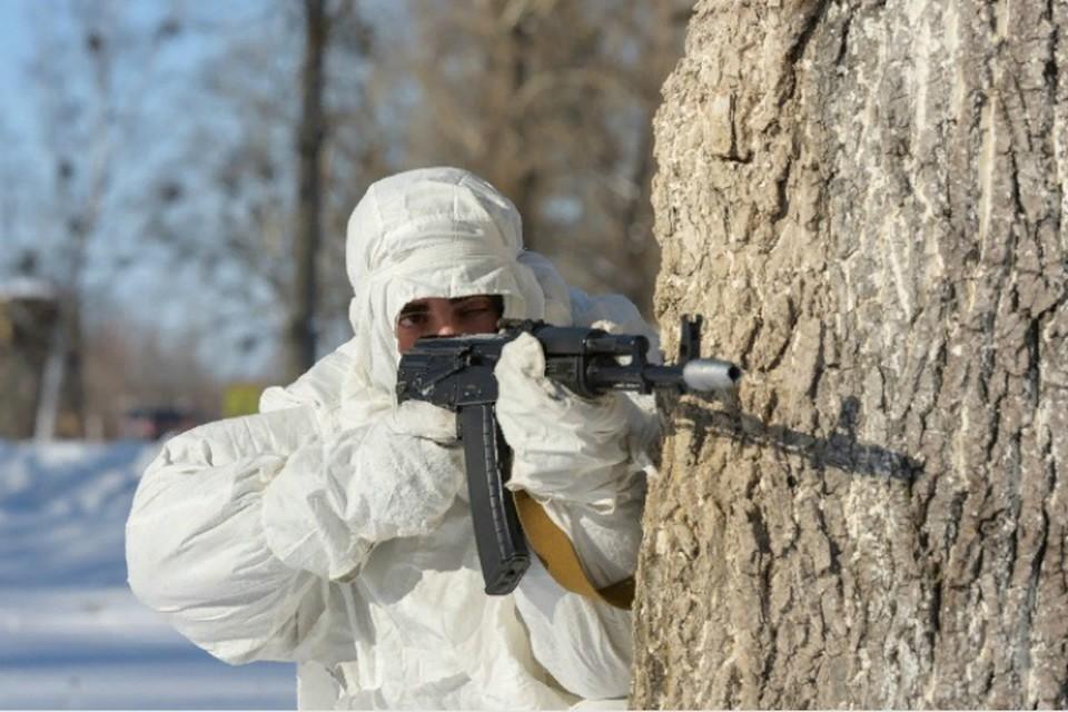 Военные в Хабаровске штурмовали здание и захватили условных террористов