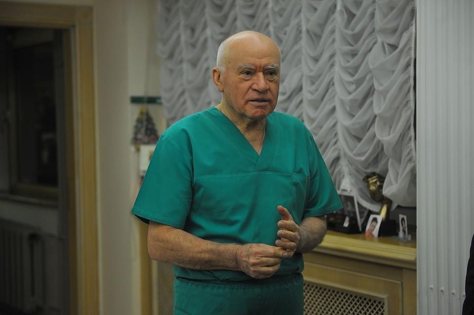 Лео Бакерия с 1994 года возглавлял Центр имени Бакулева