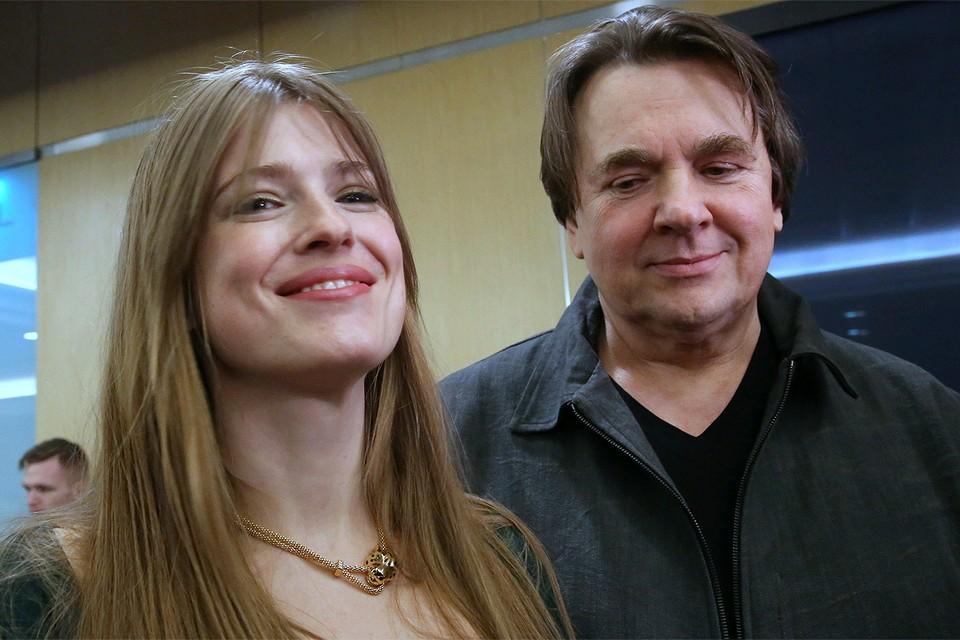 Константин Эрнст с супругой Софьей.