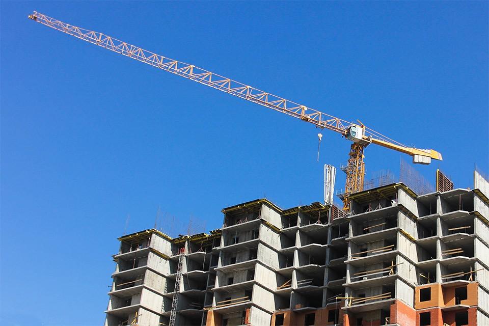 Вовлечение в оборот федеральных земель и их безвозмездная передача ЖСК по закону о содействии развитию жилищного строительства входит в число задач ДОМ.РФ.