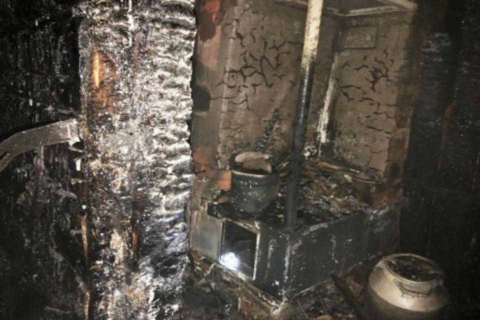 Отец вытащил из горящего дома бездыханное тело: 8-летний школьник погиб при пожаре в Братске.