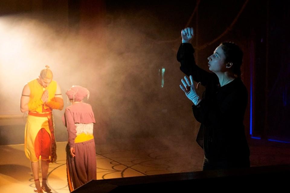 8 декабря 2019 года на портале Культура.РФ, на сайте театра и в социальных сетях пройдет трансляция мюзикла для всей семьи «Бармалей»