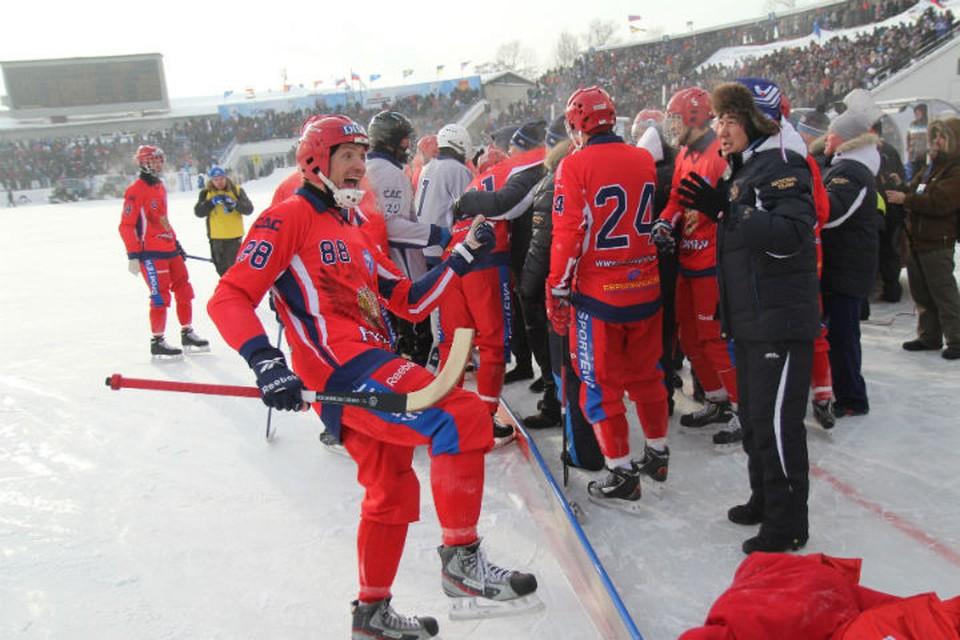 2 февраля 2014 года. Иркутск. Стадион «Труд». Только что сборная России стала чемпионом мира, обыграв Швецию.