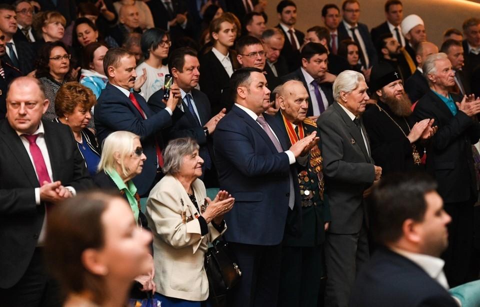 На премьерном показе присутствовал и губернатор Игорь Руденя. Фото: ПТО