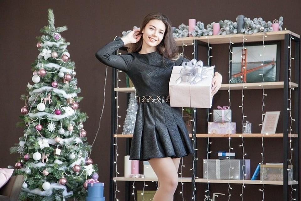 В этом году рейтинг тех подарков, которые люди ожидают получить, совпадает с тем, что люди планируют дарить