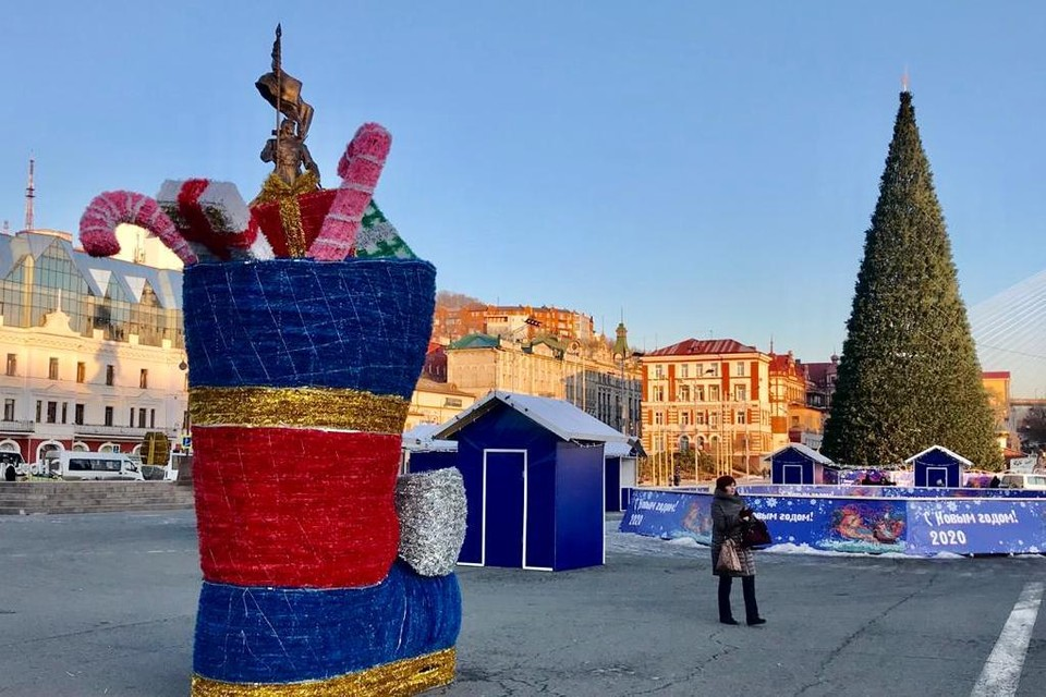 Новые украшения на центральной площади