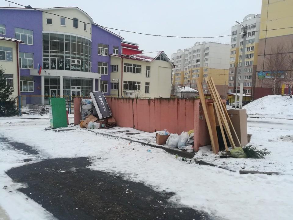 Площадка на улице Фатьянова