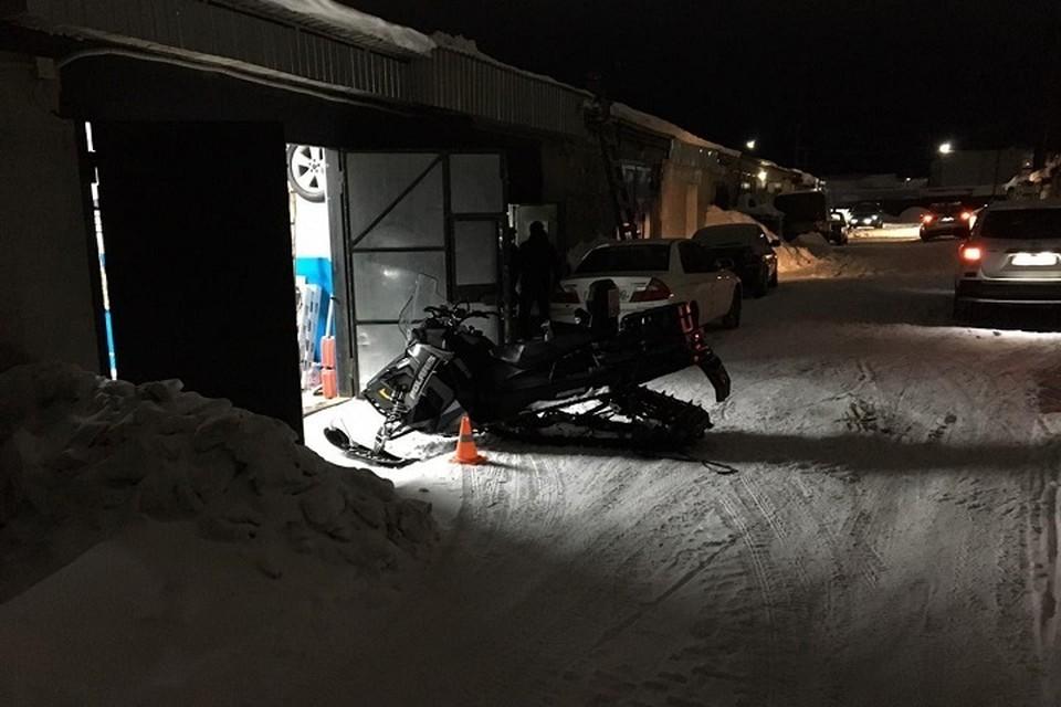 В Тарко-Сале водитель не справился со снегоходом и оказался в больнице. Фото с сайта Госавтоинспекции ЯНАО
