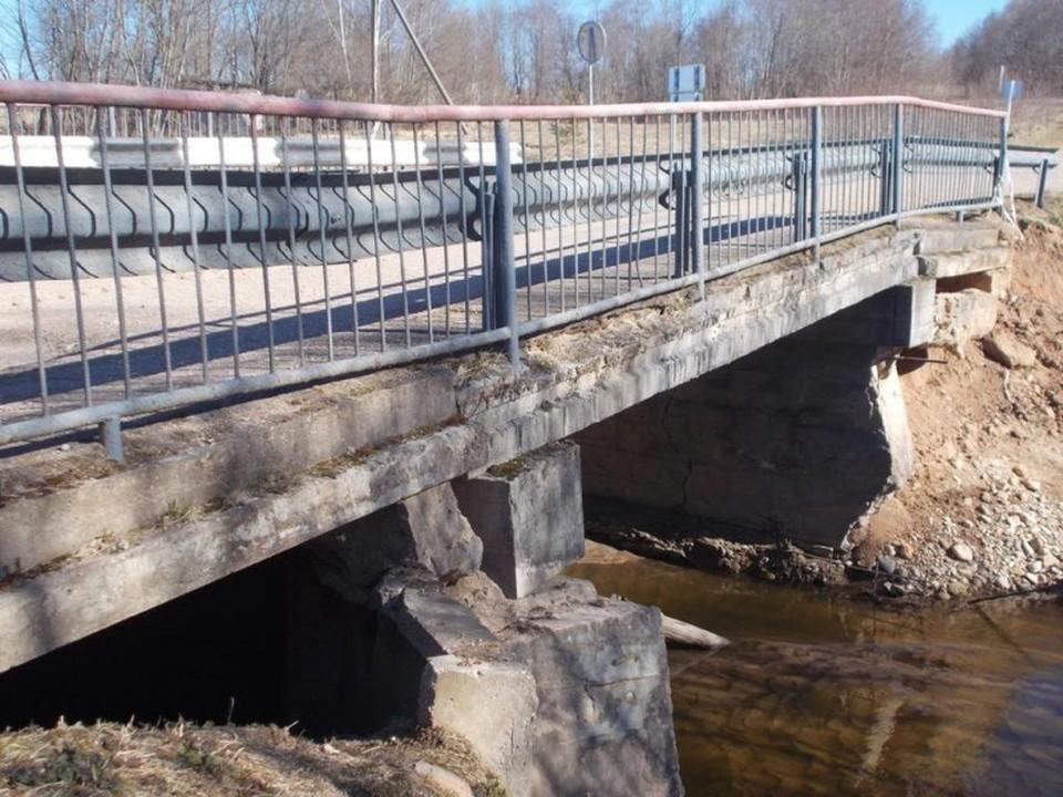 В общей сложности на ремонт обоих мостов выделили 87 миллионов рублей.