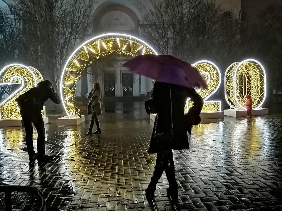 Праздничную иллюминацию уберут после 19 января