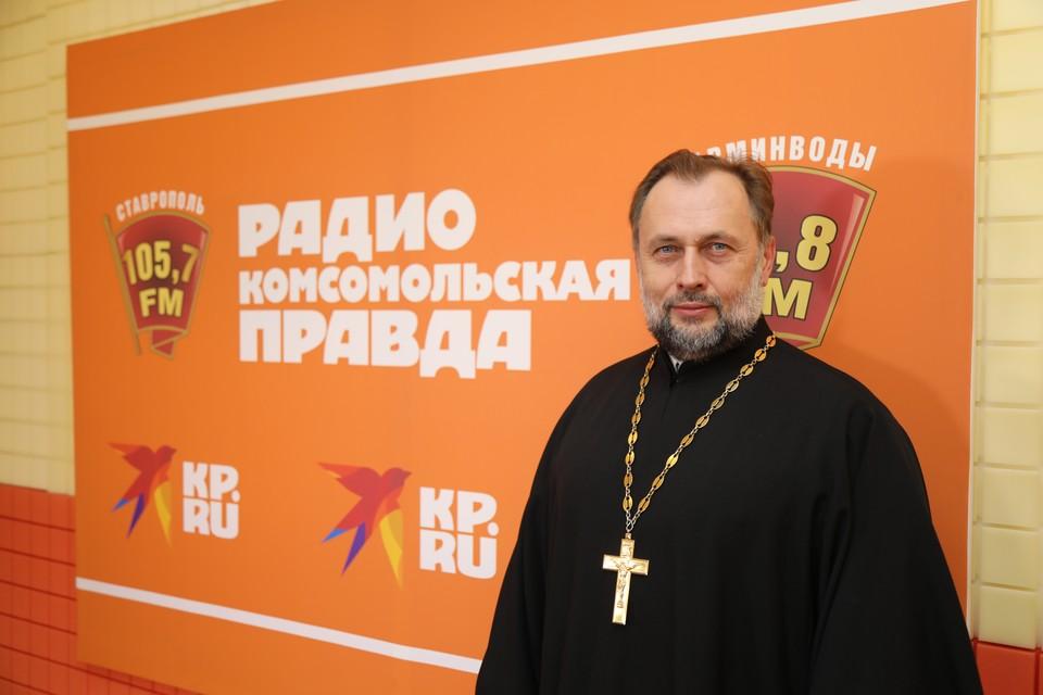 Священник Владимиром Волковым