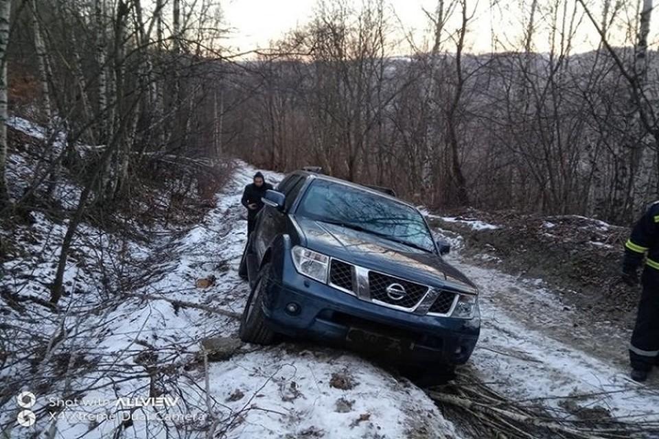 Машину удалось вытащить при помощи трактора (Фото: noi.md).