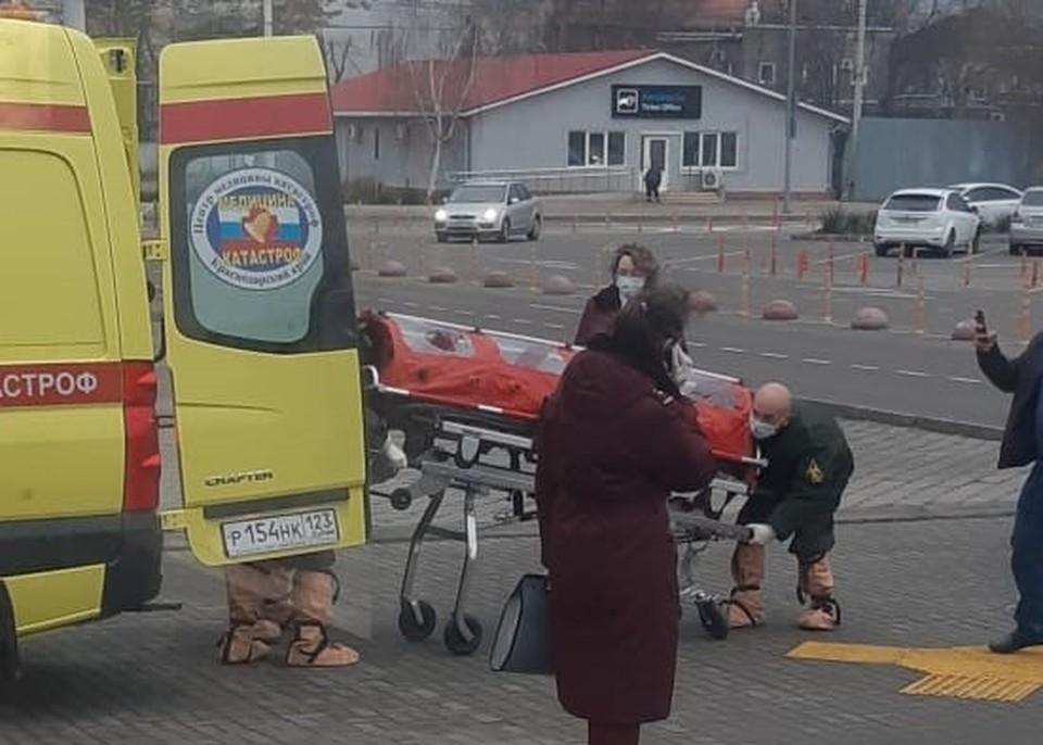 В аэропорту Краснодара выявили первого пассажира с высокой температурой. Фото: Типичный Краснодар