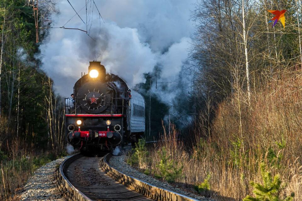 7 февраля 1943 года паровоз серии Эу привел первый после прорыва блокады поезд с Большой земли в Ленинград.