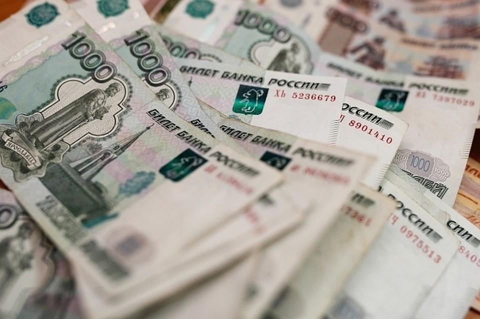 Алиментщик задолжал 800 тысяч рублей
