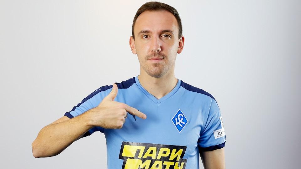 Денис Попович вернулся в Россию